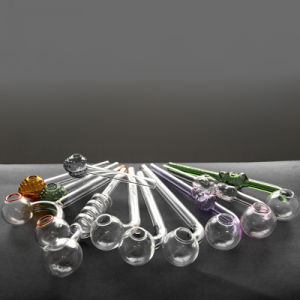 Hbking Silicone Pipe Sweet Puff Oil Burner USA Color Glass Smoking Pipe pictures & photos