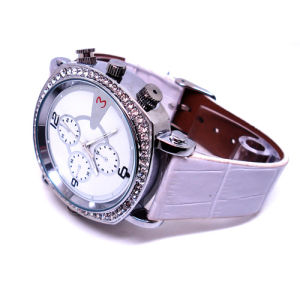 Lady Watch Camera H. 264 Video HD 720p Watchproof (QT-H003) pictures & photos