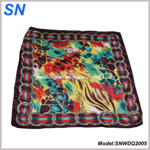 2015 Lady′s Satin Paisley Square Scarf 2005 pictures & photos