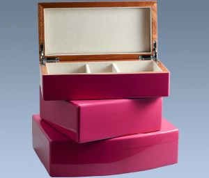 Small Heart Shape Rosewood Trinket Storage Box pictures & photos