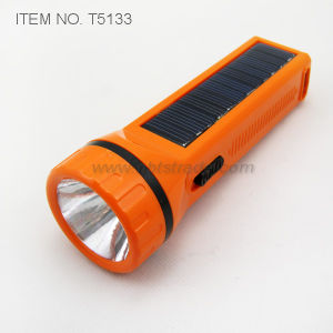 Solar Rechargeable Flashlight (T5133) pictures & photos