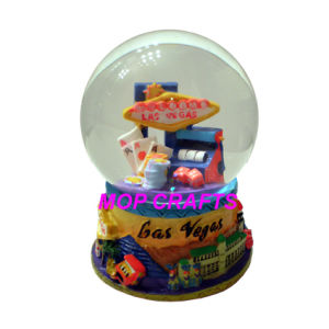 Resin Souvenirs Snow Globes Crafts pictures & photos