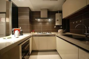 2015 New U Shape Waterproof Lacqure Kitchen Cabinet for Projects (many colors) pictures & photos