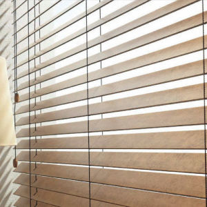 Basswood Wood Venetian Blinds pictures & photos