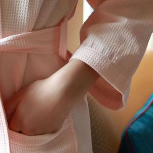 Classic Kimono Waffle Bathrobe for Hotel/SPA/Medical/Home pictures & photos