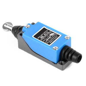 Xck-P118 AC 380V 4A Momentary Adjustable Roller Lever Limit Switch pictures & photos