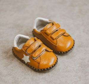 Leather Baby Shoes Moccasins Newborn Soft Infants Crib Shoes (AKBS22) pictures & photos