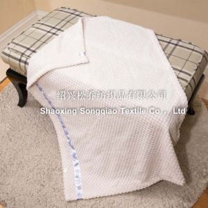 100% Polyester Jacquard Flannel Blanket with Ribbon pictures & photos