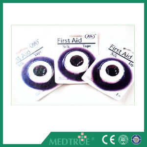 Ce/ISO Approved Medical Silk Tape (MT59382101) pictures & photos
