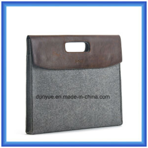 Fashion Eco-Friendly Portable Wool Felt Laptop Hand Bag, Customized Gift Laptop Briefcase Bag with Button Closing (wool content is 70%) pictures & photos
