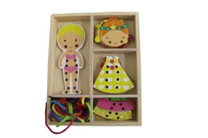 Hot Chirstams Gift Wooden Girl String Dressing Game Toy for Kids pictures & photos