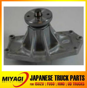 Me995424 4D34 Water Pump for Mitsubishi pictures & photos