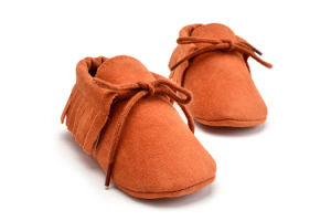 Wholesale Tassel Baby Shoes Soft Soles Lace-UPS Shoes Indoor Infant Shoes with Nubuck Upper pictures & photos