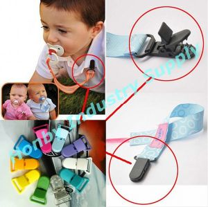 42mm Long Assorted Colors Plastic Clips for Pacifier Holders pictures & photos