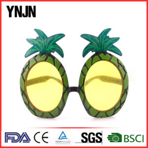 Promotion Unisex Fashion Plastic Funny Pineapple Party Glasses (YJ-PG002) pictures & photos