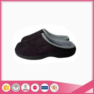 Outside Stitching Designs Indoor Slipper pictures & photos