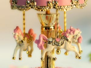 Resin Merry Go Round Carousel Music Box with LED Lighting Birthday Christmas Gifts Toys for Kids pictures & photos