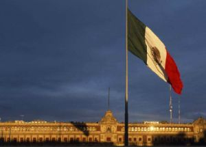 Custom Waterproof and Sunproof National Flag Mexico National Flag pictures & photos