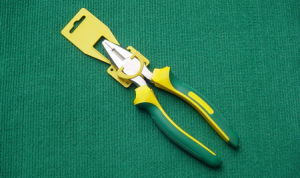 Combination Pliers with Two Color Plastic Handle pictures & photos