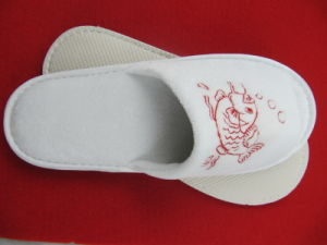 Hotel Bath Slipper for Bathroom in Cheap Price (DPF10148) pictures & photos