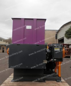 Plastic Shredder/Wood Shredder-Wt3080 of Recycling Machine with Ce pictures & photos