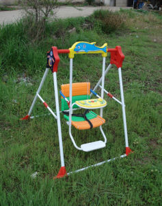 Foldable Kids Swing with Foot Stand (QAT-002)