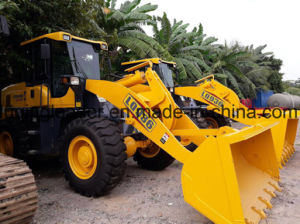 3ton Multifunctional Front Wheel Loader with Forklift pictures & photos