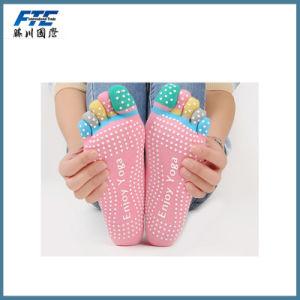 100% Cotton Yoga Toe Socks Anti-Slip Color Sock pictures & photos