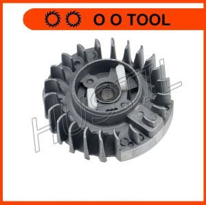 Chain Saw Spare Parts 5200 Flywheel (plastic pawl) in Good Quality pictures & photos