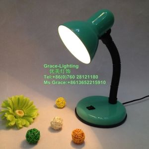 Professional Lighting Factory Flexible Study Table Lamp (GT-705-1) pictures & photos