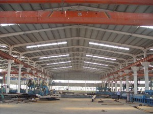 Painted Structure Steel Light Prefabricated Workshop Building pictures & photos