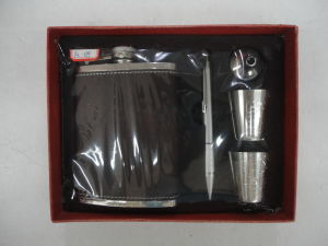 Stainless Steel Hip Flask Set Wine Bottle Set pictures & photos