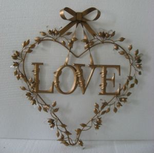 OEM Design Heart Shaped Metal Craft pictures & photos