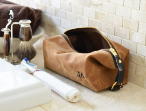 Custom Waterproof Waxed Canvas Dopp Kit for Men pictures & photos