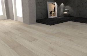 Oak Engineered Wood Flooring 4mm Top Layer pictures & photos