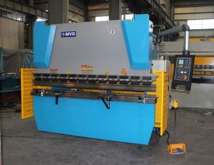Hydraulic Wc67y-30t/1600 CNC Press Brake, 2mm Hydraulic Plate Bending Machine pictures & photos