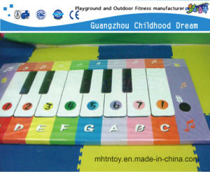 Electronic Piano Toy for Kid Indoor Playground Toy (HD-8004) pictures & photos
