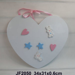 Wooden Heart-Shaped Memoboard with Magnet for Kids pictures & photos