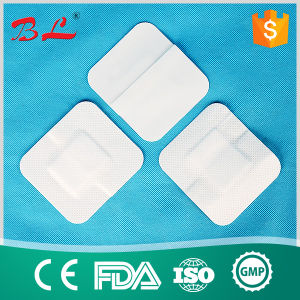 50PCS Large Band Aid Non-Woven Medical Adhesive Wound Dressing Patch Adhesive Bandages pictures & photos