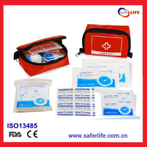 Mini First Aid Kit for Wholesale & Travel First Aid Bag for Promotional Gift pictures & photos