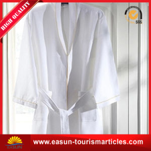 Custom Quality Made Polyester Viscose Bathrobes pictures & photos