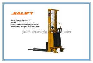 Hot Sale 1.5ton (Lifting Height: 3.5 meter) Semi Electric Stacker (SPN1535) with Ce Certification pictures & photos