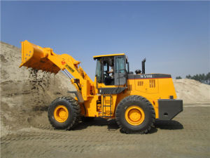 Competitive Price 5ton Front End Loader with 3.3m Dumping Height pictures & photos