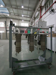 Zw32-12 Type  Outdoor  Hv  Vacuum  Circuit  Breaker   with ISO9001-2000 pictures & photos