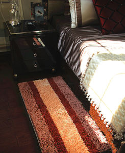 Customized Good Quality Chenille Rugs for Home/Table/Window/Bed pictures & photos