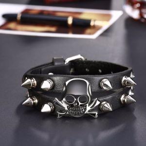 Fashion Skull Rivet Wristband Men′s Wide Leather Bracelets pictures & photos