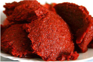 Xinjiang Tomato Paste Concentration Hb 30%-32% Brix in Drum 220L HACCP Halal Kosher Certificates pictures & photos
