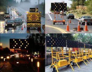 Solar Power Flashing Arrow Board Light Trailer pictures & photos