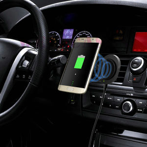 Qi Built-in 10400mAh Car Mount Holder Wireless Charger for Tablet/Cellphone pictures & photos