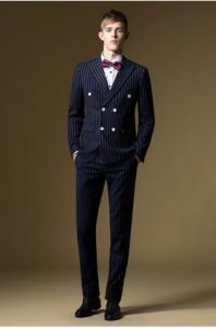 2016 Latest Man Young Double-Breasted Slim Suit pictures & photos